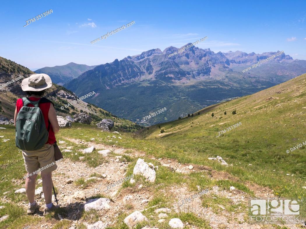 Imagen: Senderista. Huesca. Aragón. Pirineos. España.