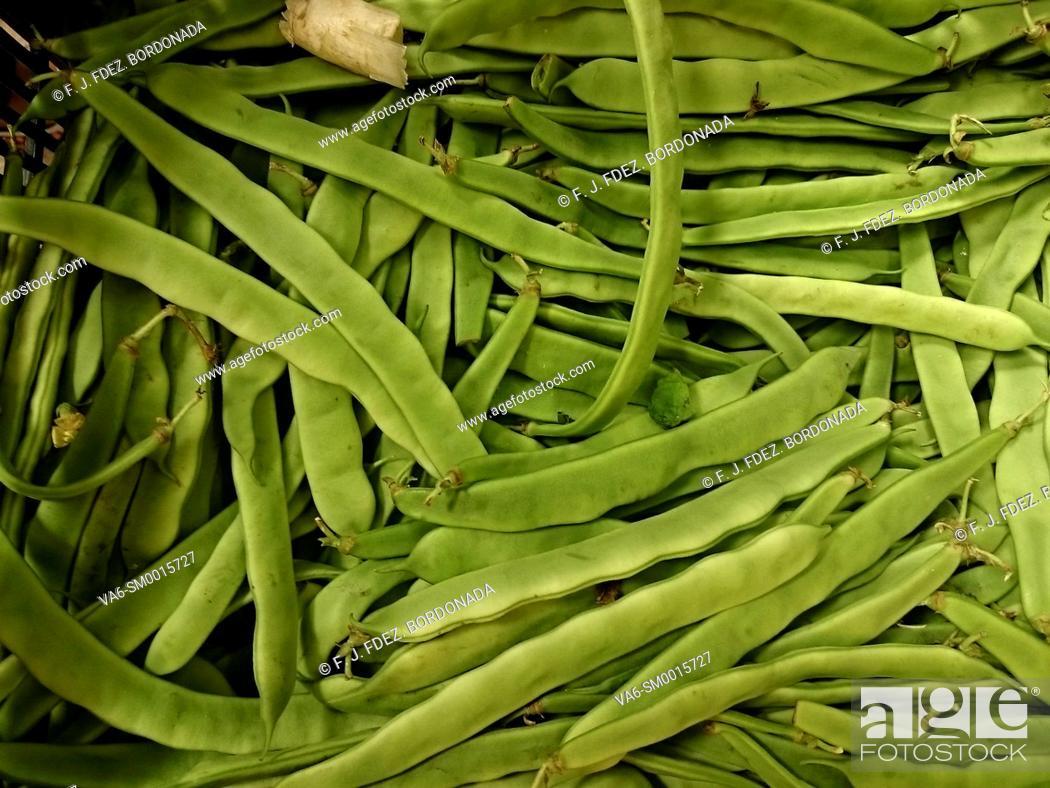 Imagen: Vegetables market in Tudela, Navarre, Spain.