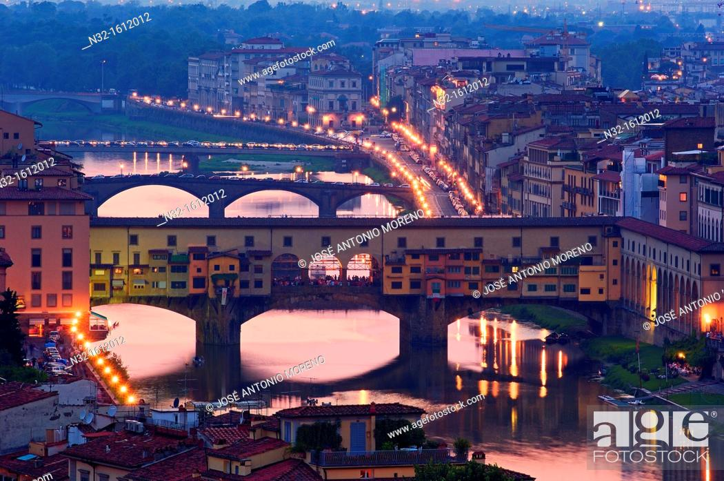 Stock Photo: Ponte Vecchio over Arno river at dusk, Florence, Tuscany, Italy.