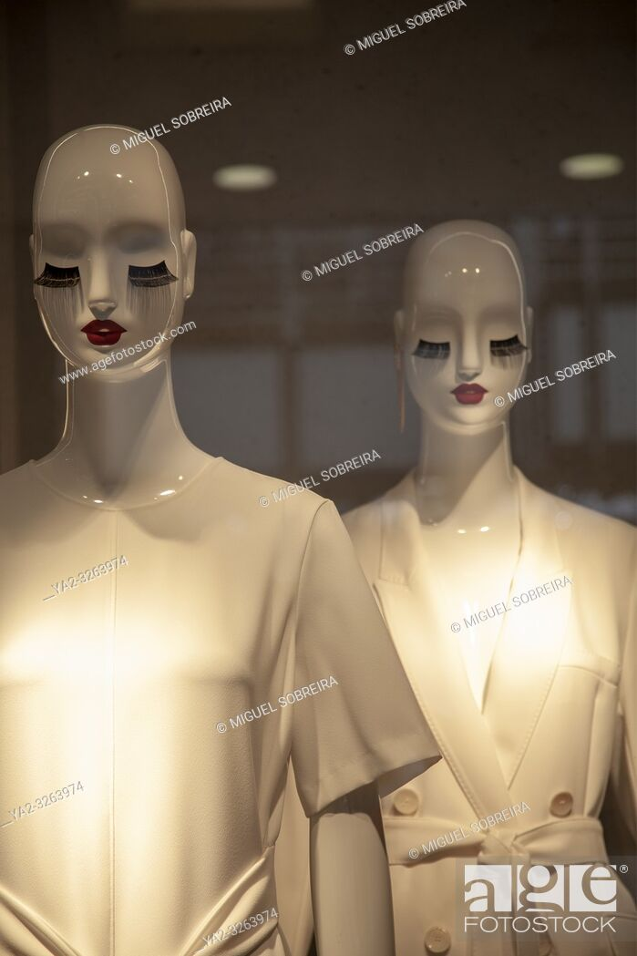 Stock Photo: Fashion mannequins Shop Window.