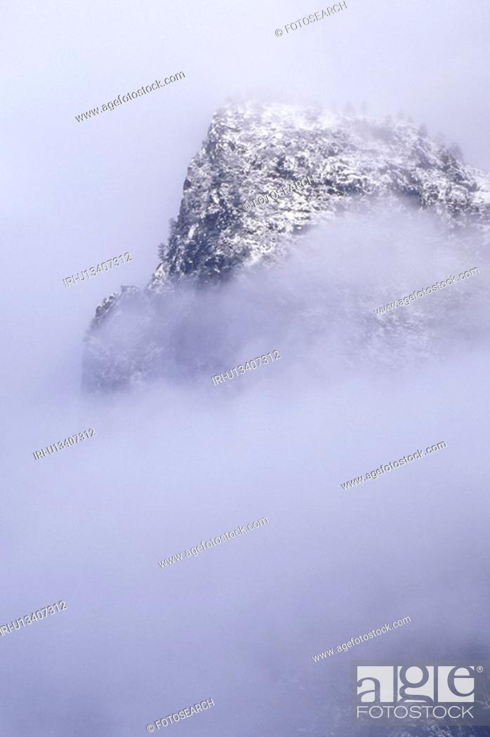Stock Photo: Mountain in Winter.
