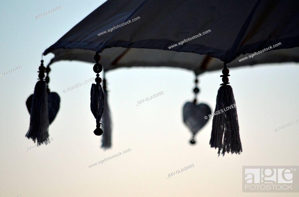 Imagen: Beach Umbrella, Punta del Este, Uruguay.