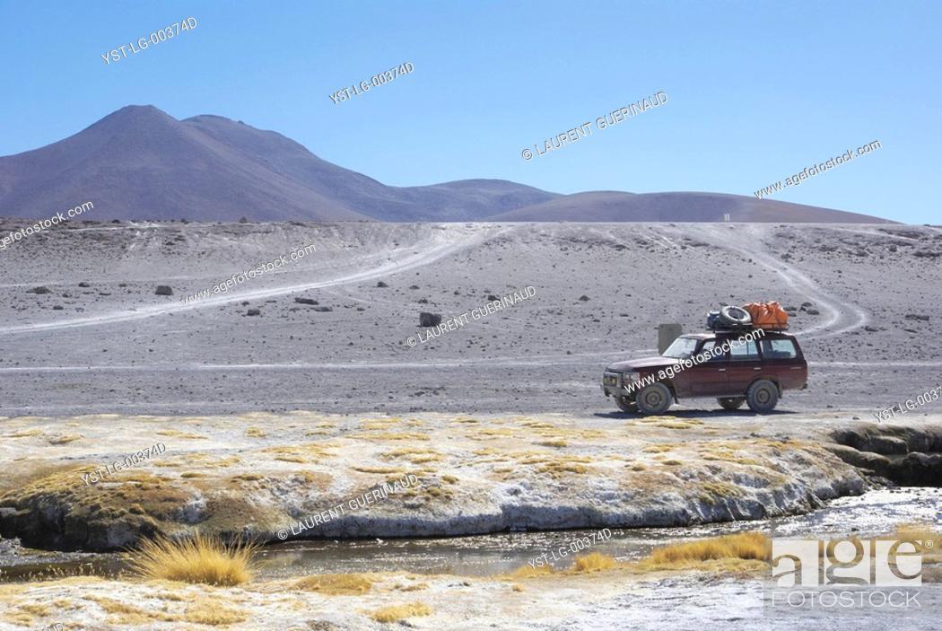Stock Photo: Laguna Colorada, Reserves national of Andean fauna Eduardo Abaroa, Desert of Lipez, Department of Potosi, Sud Lipez Province, La Paz, Bolívia.