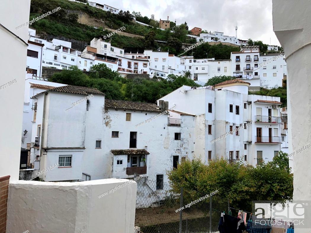 Photo de stock: Setenil de las Bodegas, Málaga, Spain, Europe.