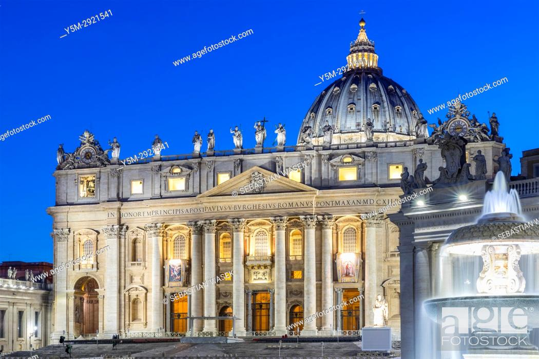 Stock Photo: St. Peter's Square, Vatican City, Italy, Europe.