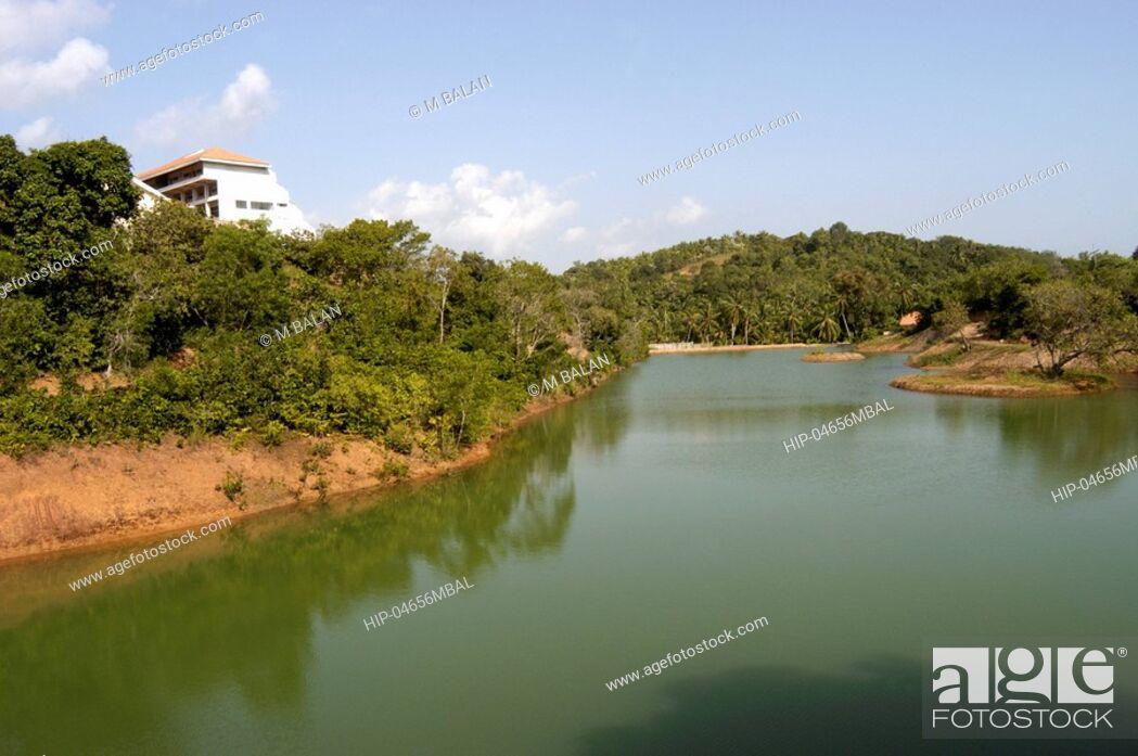 Imagen: ARTIFICIAL LAKE INSIDE KINFRA FILM AND VIDEO PARK TRIVANDRUM.
