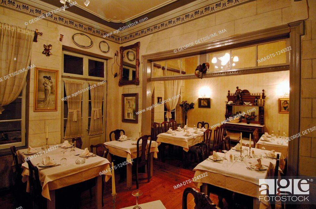 Imagen: The antique looking restaurant 1900, serving Italian cuisine. Ioannina, Epiros, Greece, Europe.