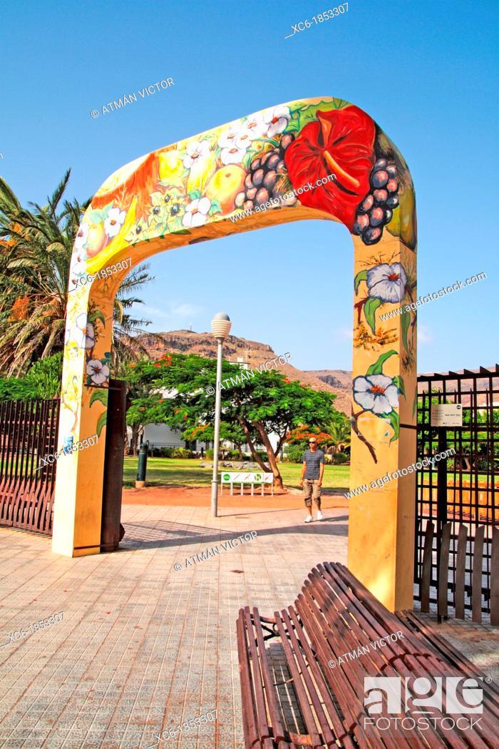 Stock Photo: arch in Torre del Conde park inside San Sebastian de La Gomera municipality.