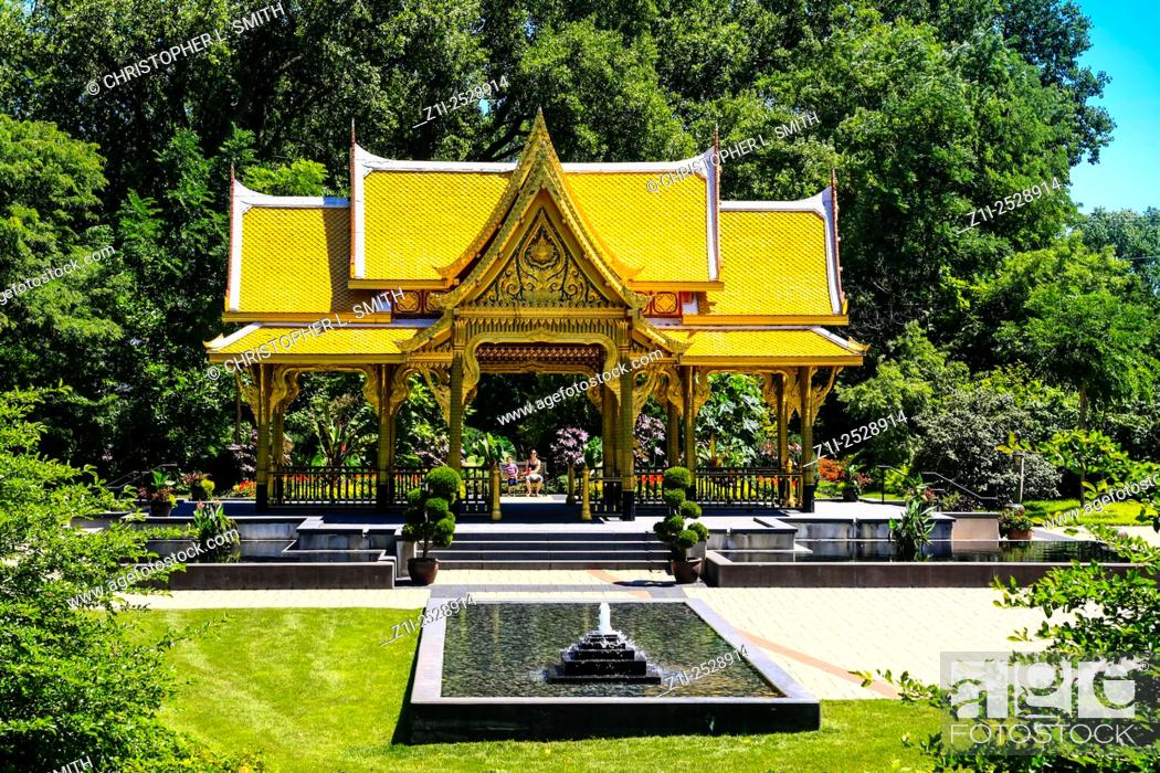 Fall Comes To Garden Of Thai Pavilion >> The Golden Thai Pavillion At Olbrich Botanical Gardens In Madison