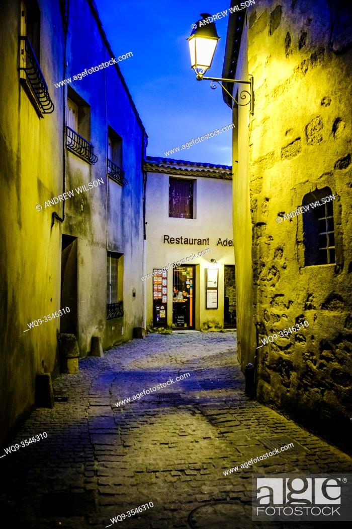 Imagen: One of many restaurants in the medieval Cité de Carcassonne in France.