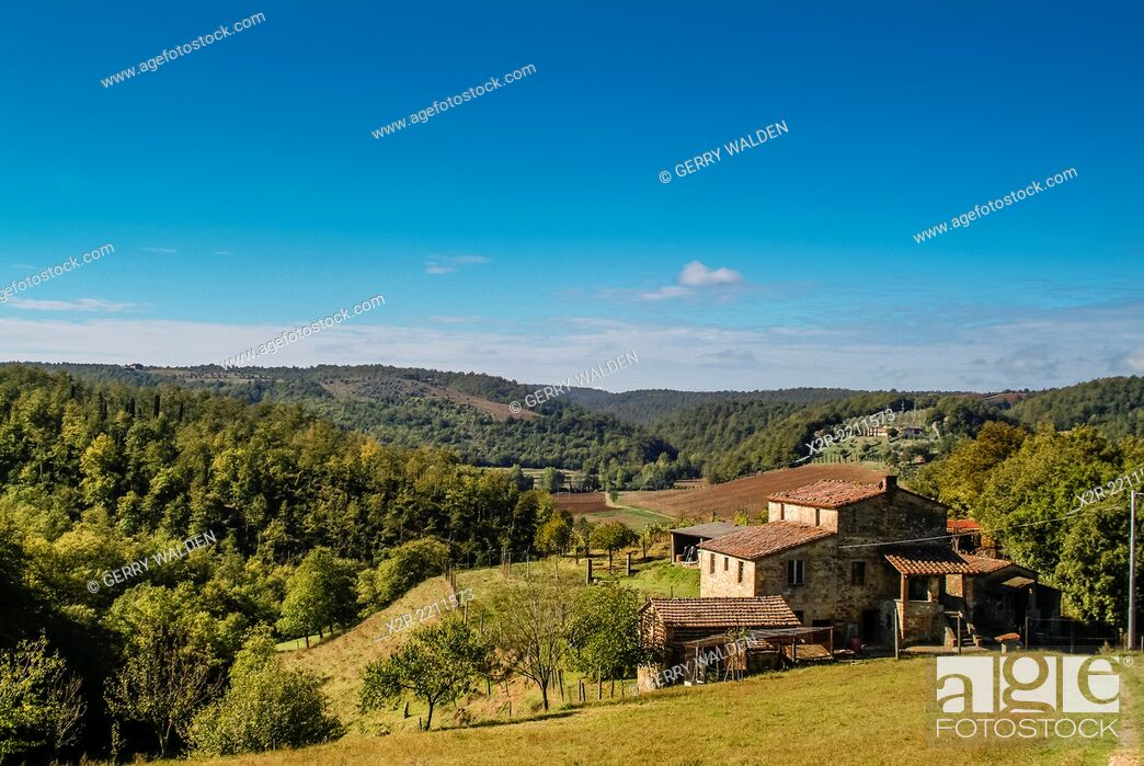 Stock Photo: Typical farmhouse nestling in the Umbrian hills of Italy.