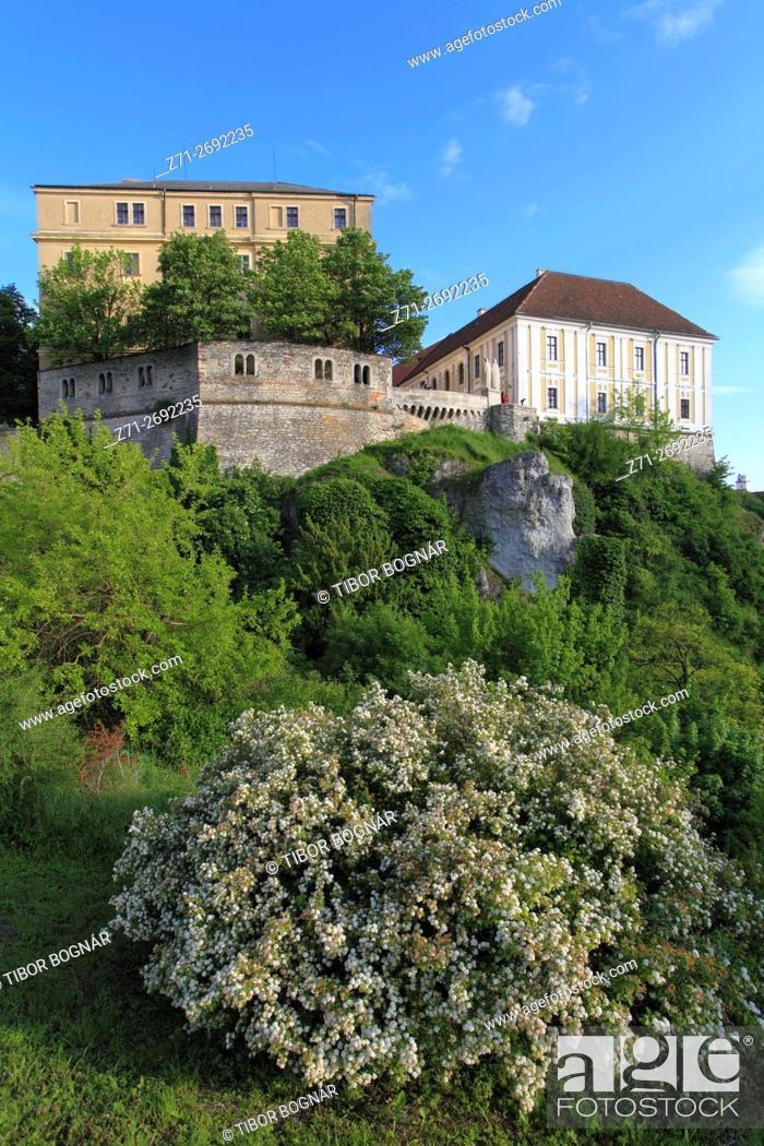 Imagen: Hungary, Veszprém, Castle District, skyline, Benedek Hill, .
