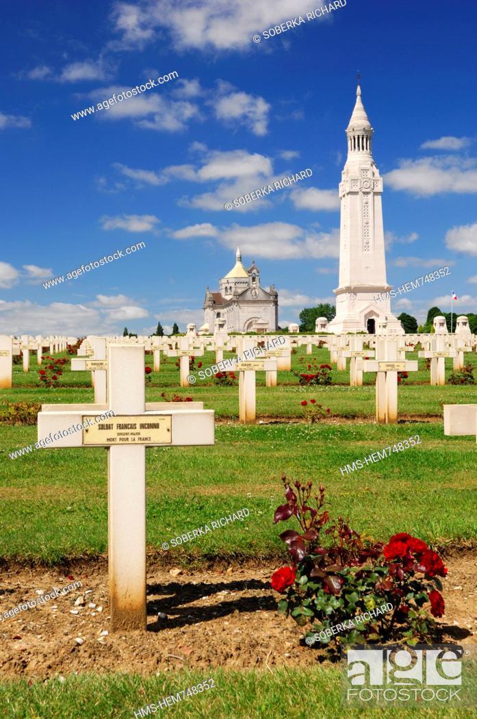 Stock Photo: France, Pas de Calais, Ablain Saint Nazaire, necropole de Notre Dame de Lorette, Tomb of the Unknown Soldier French died for France during the first war to war.