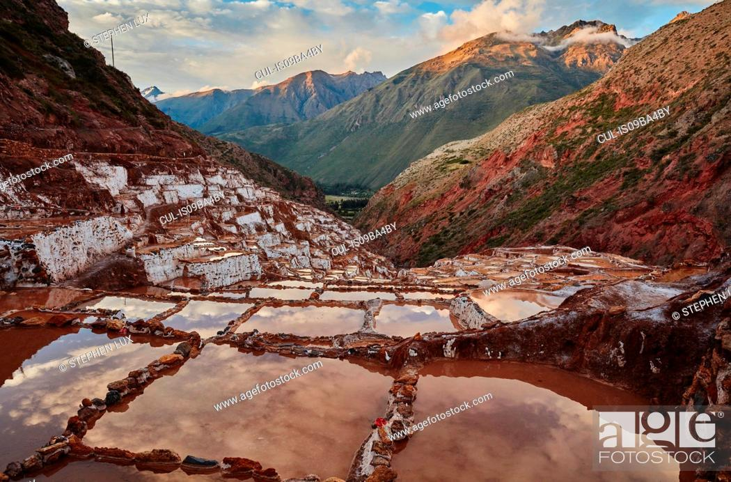 Photo de stock: View of salt terraces, Maras, Cusco, Peru.