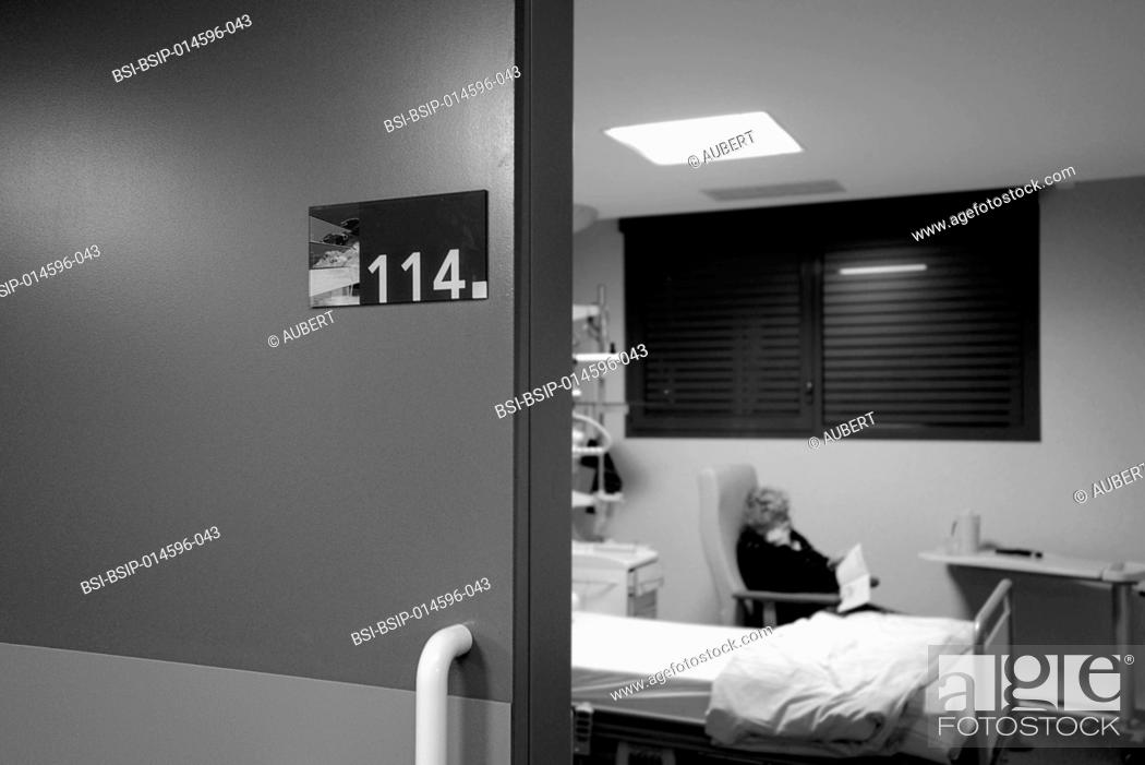 Stock Photo: Reportage in the sleep laboratory at Lyon-Nord Rillieux polyclinic. Carrying out a polysomnography exam over night. Polysomnography consists of recording.