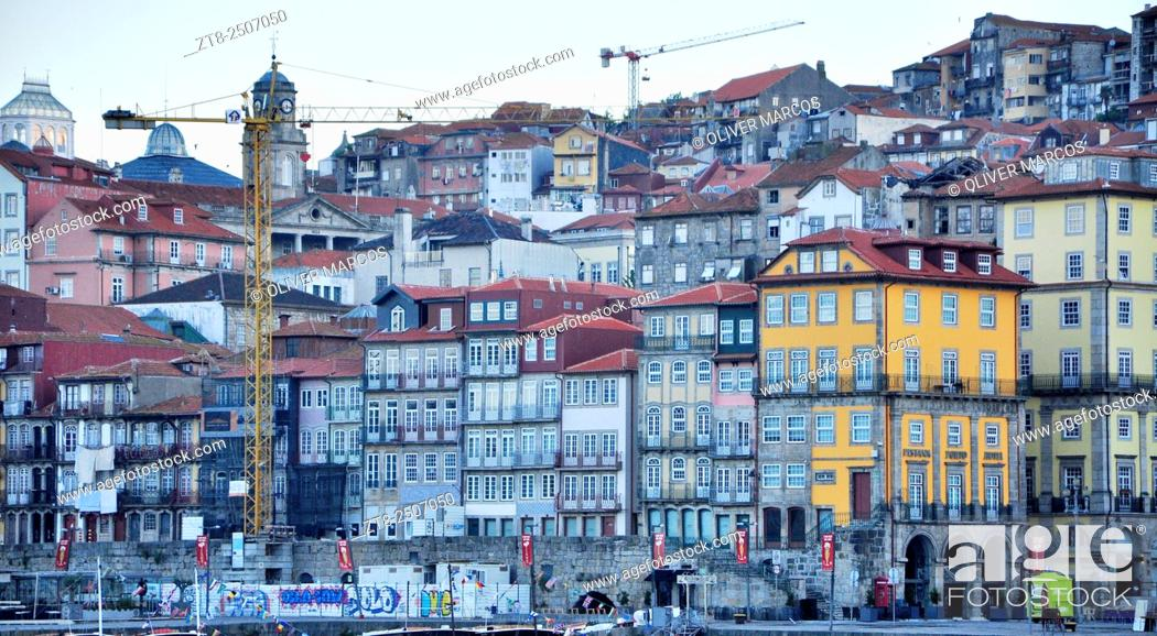 Imagen: Portugal, Porto, Ribeira district. This district is one of the most important places when it comes to knowing the historic center of Porto.