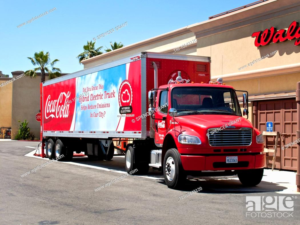 Stock Photo A Low Pollution Eco Friendly Hybrid Gas Electric Tractor Trailer Truck Delivers Beverages In Laguna Niguel Ca