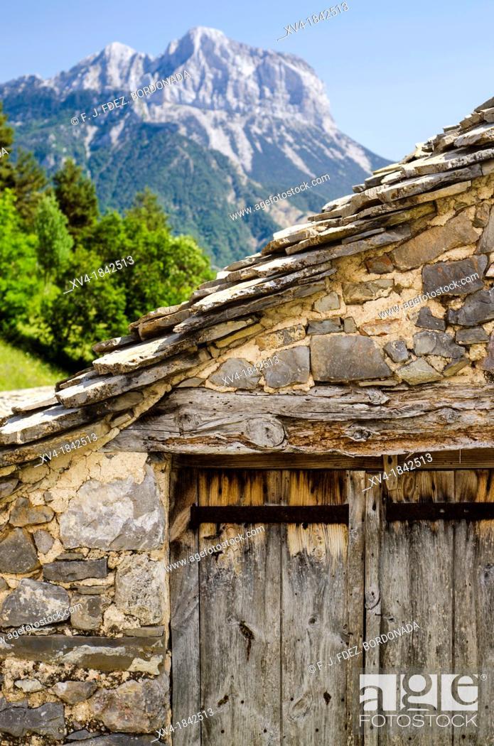 Stock Photo: Village of Tella, Escuain Valley, Huesca, Pyrenees, Spain.
