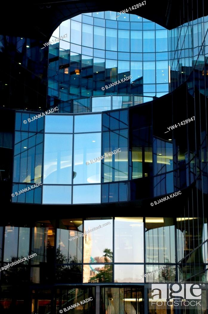 Stock Photo: 7 More London Riverside building, PriceWaterhouseCoopers offices, pwc, London, UK.