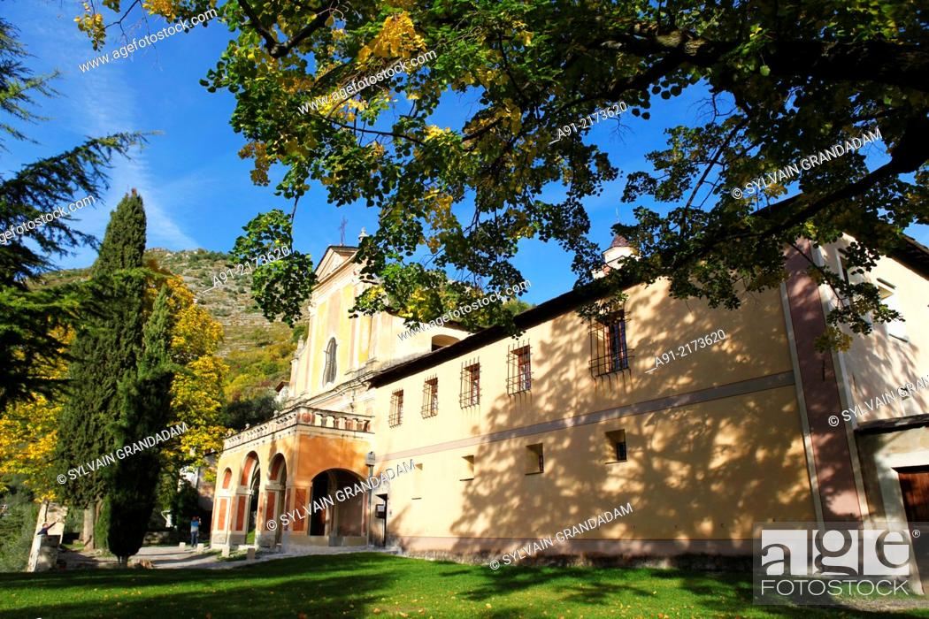 Stock Photo: France, Provence, Alpes Maritimes (06), Roya Valley, perched village of Saorge, the franciscan monastery.