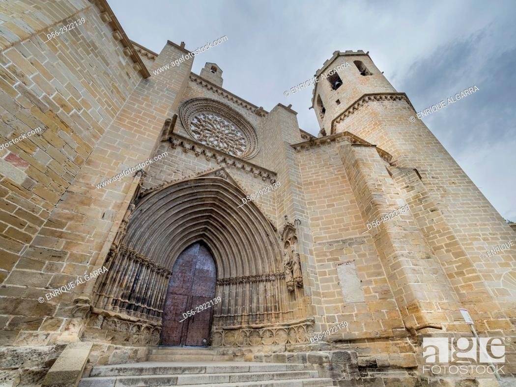 Stock Photo: Santa Maria La Mayor church, Valderrobres, Matarraña, Teruel province, Spain.