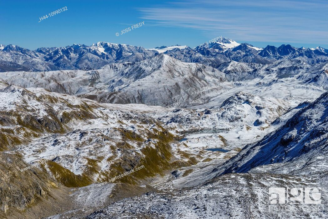 Imagen: View over the high plateau of the lakes Lais da Rims, Lower Engadine, Switzerland. In the background the Weisskugel, a mountain in the frontier area of Italy.