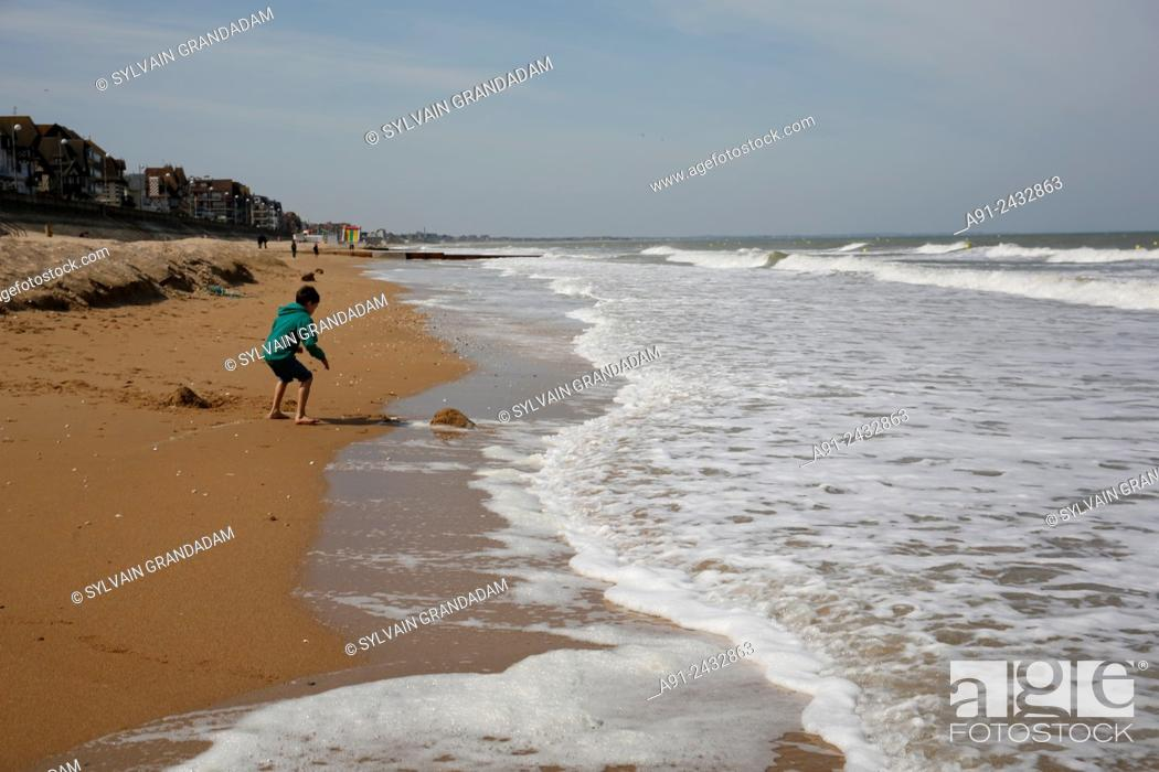 Stock Photo: France, Normandy, Basse Normandie, Sea resort city of Cabourg, in the footsteps of writer Marcel Proust in Grand Hotel 1907-1914, the beach.