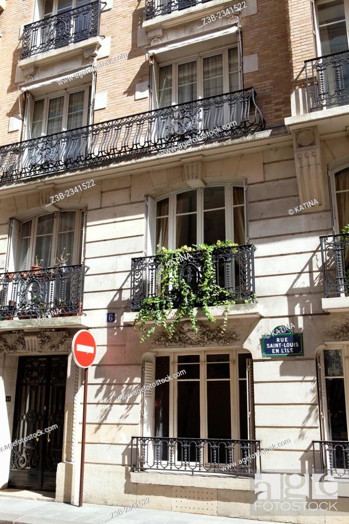 Imagen: Apartment buildings on Rue Saint-Louis en L'ile, Ile Saint-Louis, Paris, France.