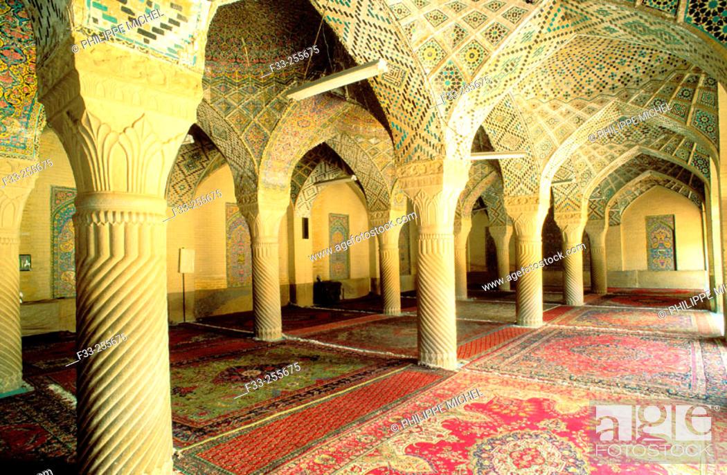 Imagen: Nasir-ol-Molk mosque. Shiraz. Iran.