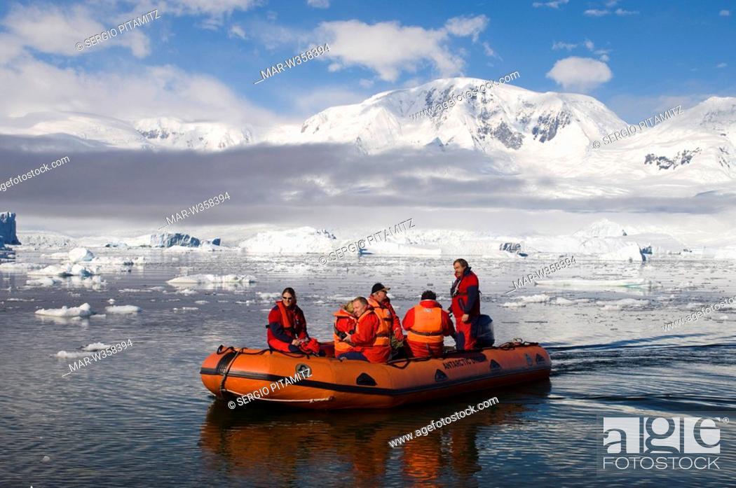 Imagen: Antarctica, Antarctic Peninsula, Gerlache strait, Neko Harbor, MR.