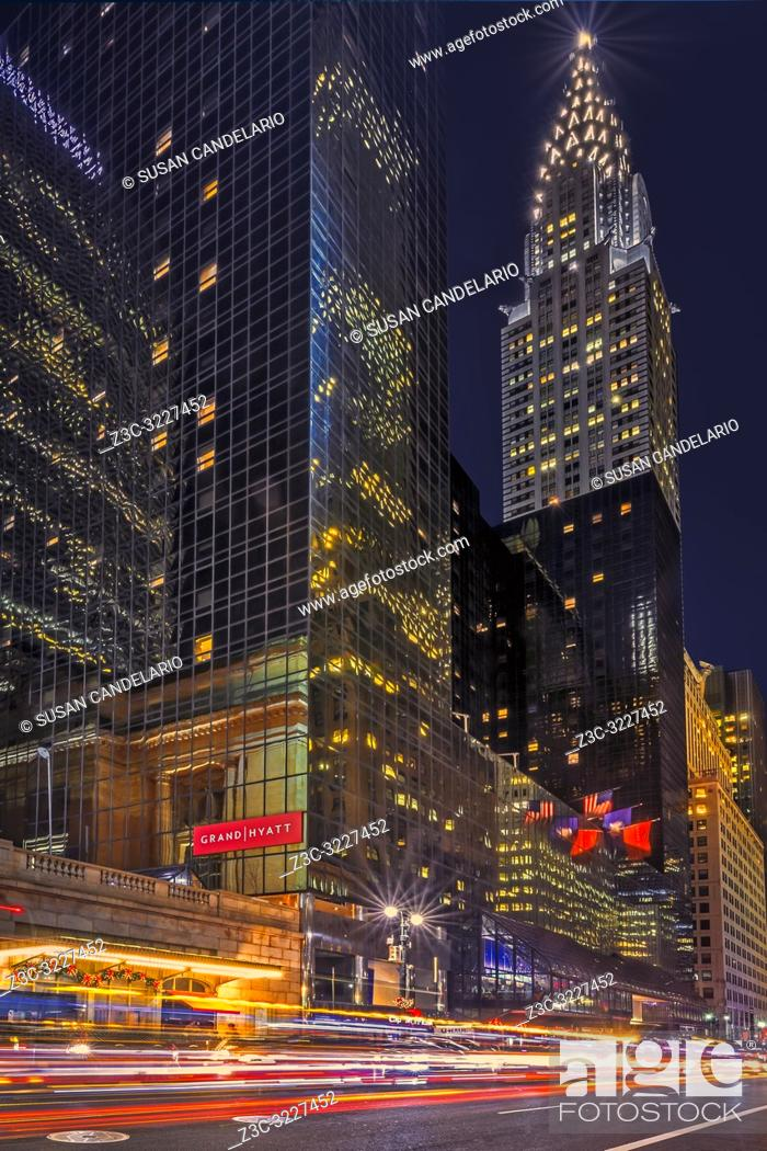 Stock Photo: Chrysler Building NYC Rush - View to the iconic landmark of the Art Deco Chrysler Building 42nd Street in midtown Manhattan in New York City. .