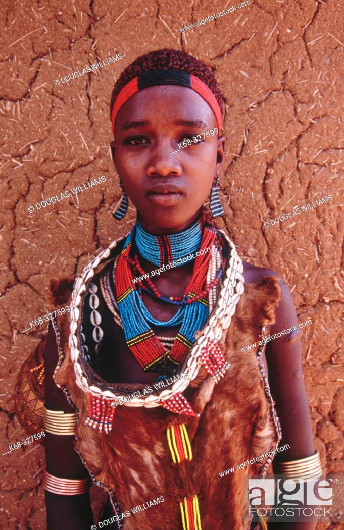 Imagen: Girl of Hamer tribe. Ethiopia.