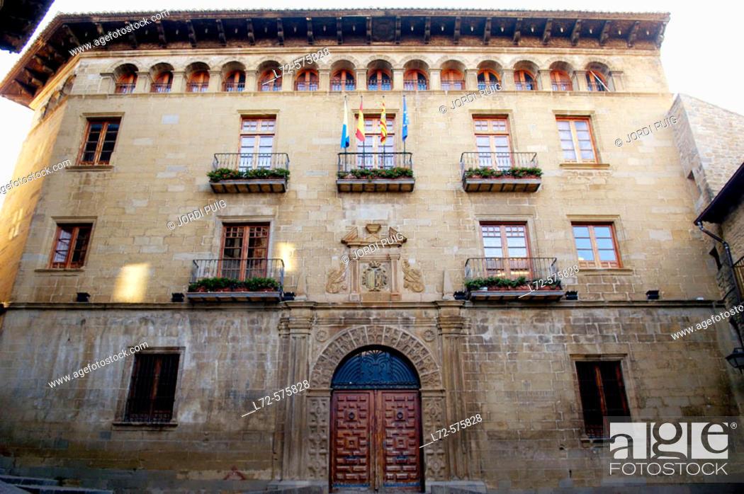 Stock Photo: Sos del Rey Católico. Cinco Villas, Zaragoza province, Aragón, Spain.