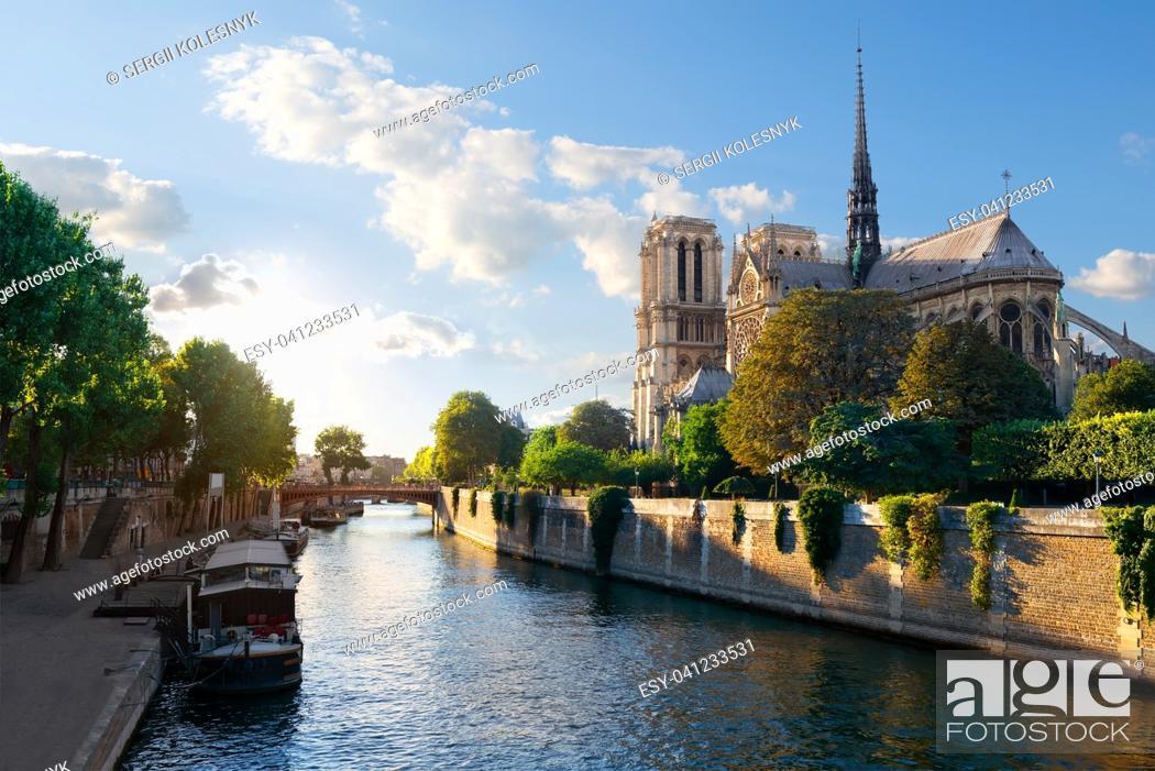 Stock Photo: Sunlight on Notre Dame de Paris at sunrise, France.