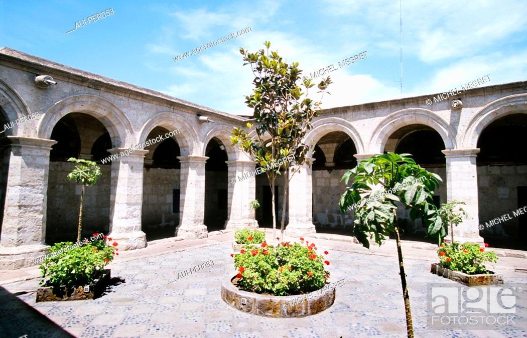 Stock Photo: Peru - Arequipa - Monasterio Santa Catalina.