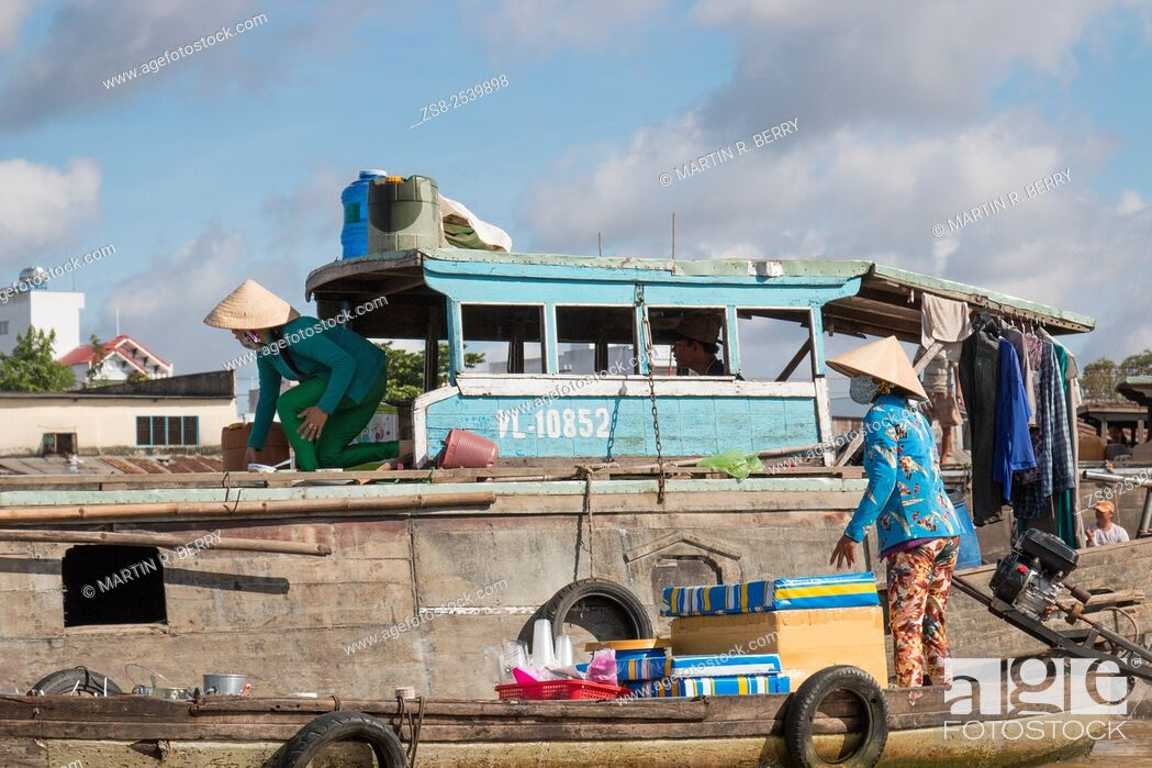 Stock Photo: Cai Rang floating markets near Can Tho on the mekong river, Mekong Delta region, Vietnam, Asia.