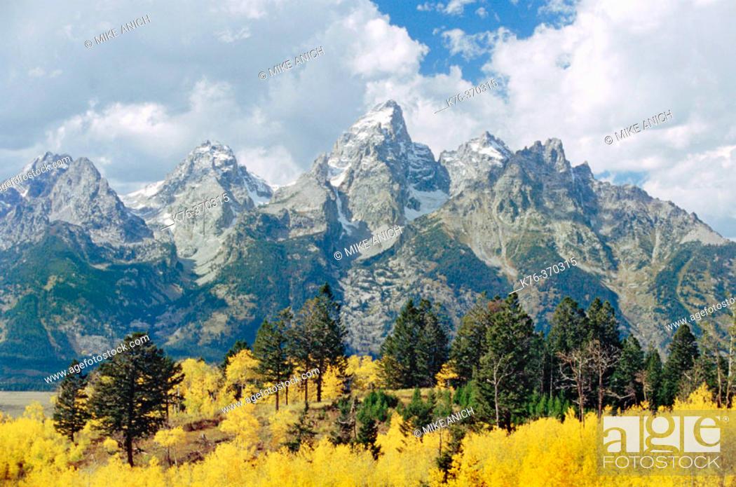 Stock Photo: Grand Tetons in autumn, Grand Teton National Park. Wyoming. USA.