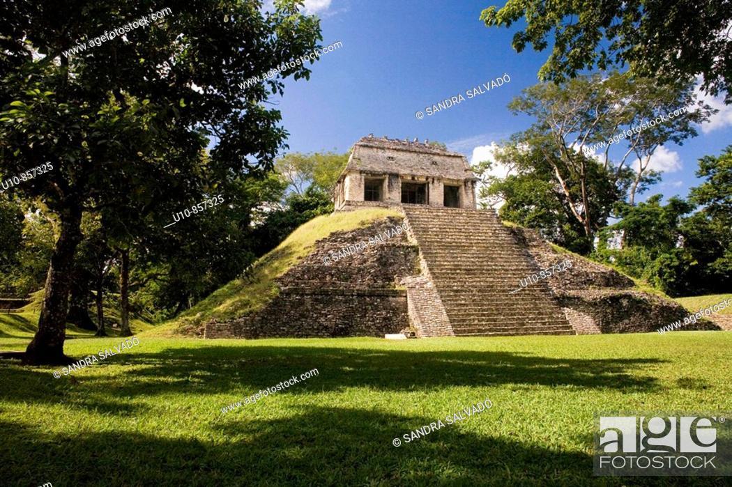 Stock Photo: Clásico Tardío (600-900 d. C.) Grupo Norte. Palenque. Chiapas. México.
