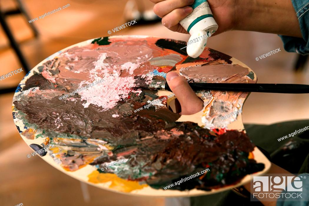 Imagen: Artists in the paintings.
