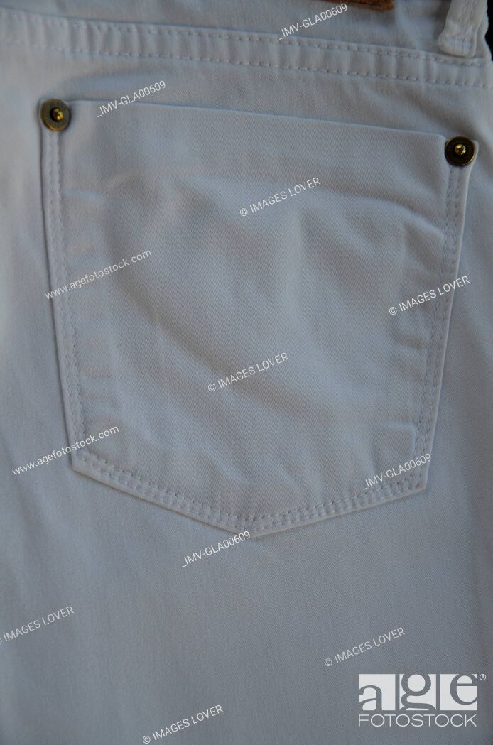 Imagen: Jeans pocket, rear view, close-up.