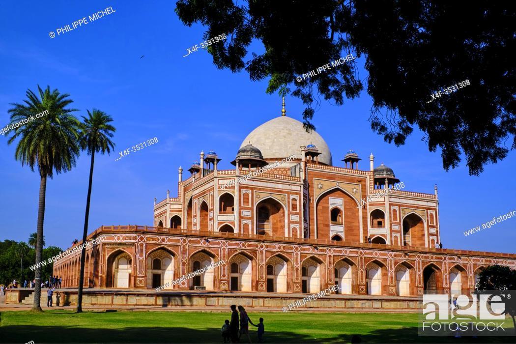 Stock Photo: India, Delhi, Humayun Mausoleum, Unesco world heritage.