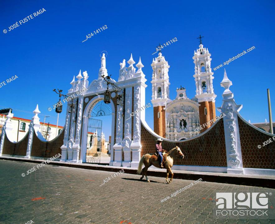 Stock Photo: Church of the Virgin of Ocotlán. Tlaxcala. Mexico.