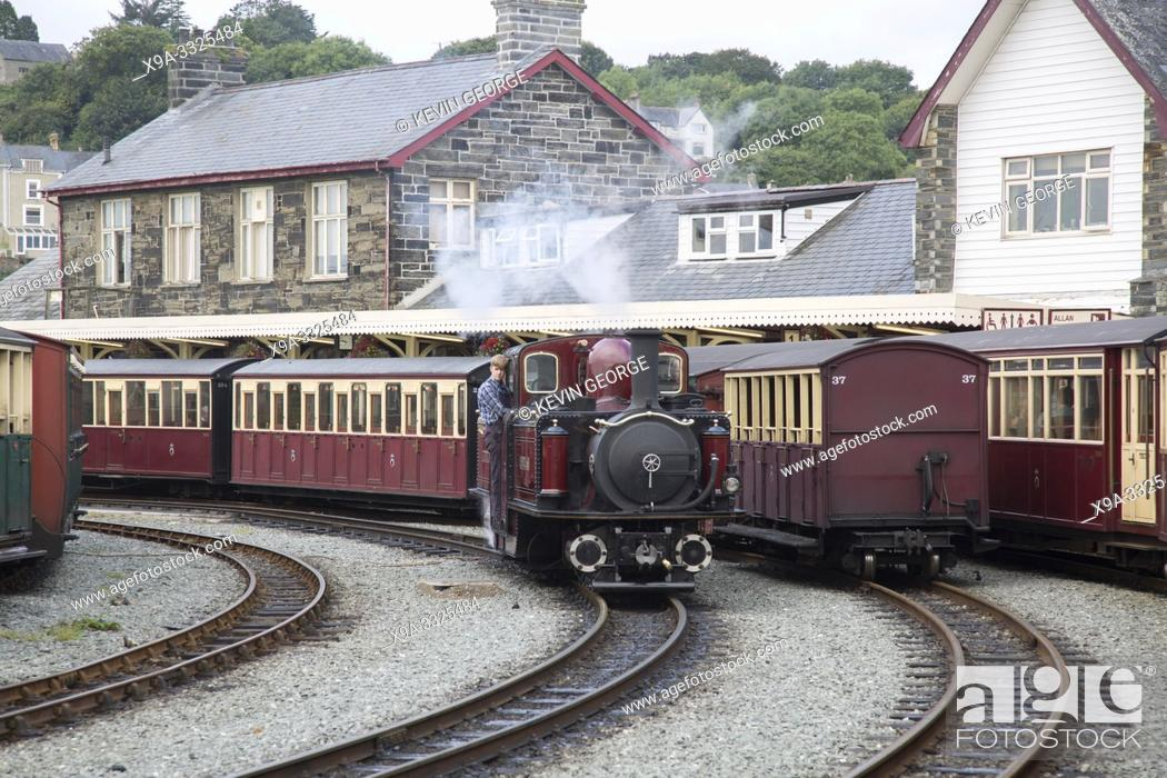 Photo de stock: Ffestiniog and Welsh Highland Railways, Porthmadog, Wales, UK.