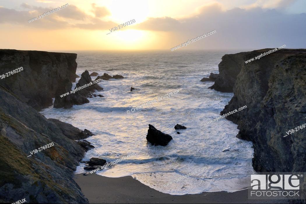 Stock Photo: France, Brittany, Morbihan, Belle-Ile, The Cote sauvage near Port Coton.