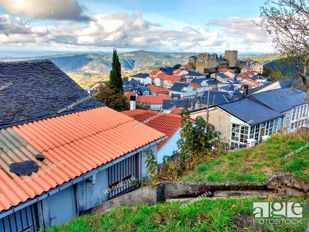 Imagen: Castro Caldelas, Ribeira Sacra, Ourense, Galicia, Spain.