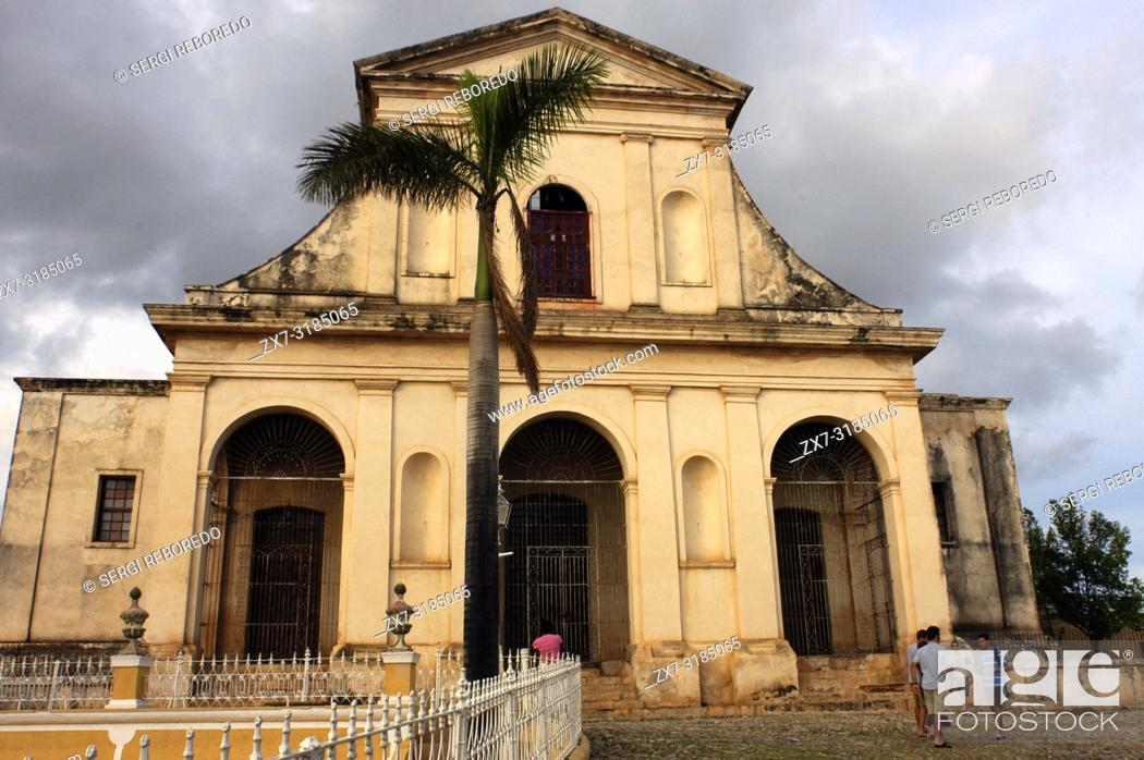 Stock Photo: The church of the Holy Trinity bathed in evening light, Plaza Mayor, Trinidad, UNESCO World Heritage Site, Cuba, West Indies.