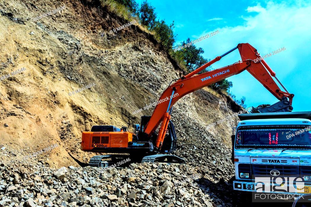 Clearing landslide with Tata Hitachi excavator, Rishikesh