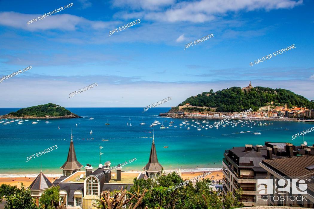 Stock Photo: LA CONCHA BAY AND BEACH, SAN SEBASTIAN, DONOSTIA, BASQUE COUNTRY, SPAIN.