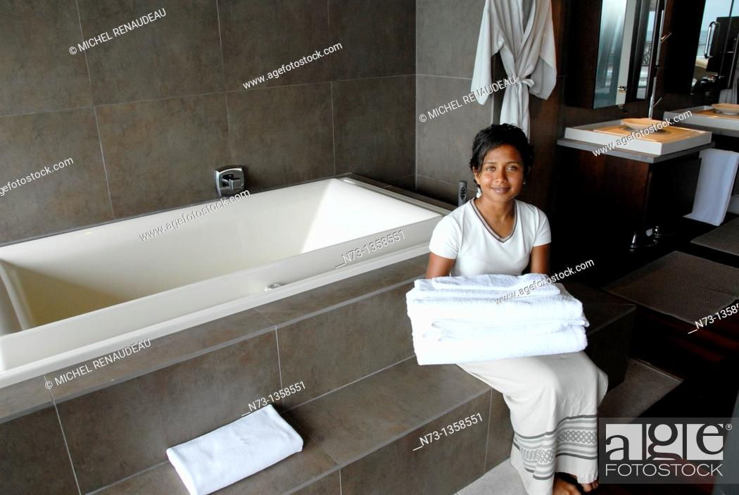 Stock Photo: Maldives, Huvafen Fushi Per Aquum Resort, Suite de Luxe.