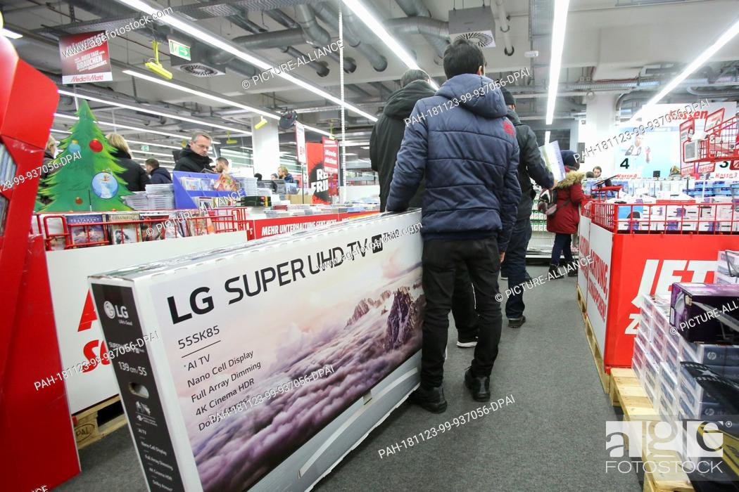 23 November 2018 Hamburg On The Black Friday Discount Day In A Media Markt Store Stock Photo Picture And Rights Managed Image Pic Pah 181123 99 937056 Dpai Agefotostock